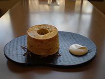 ブログ「へっぱく in裏庭」-塩キャラメルのシフォン